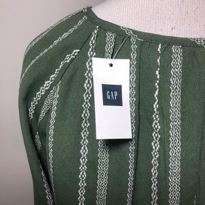 GAP Dresses - NWT GAP GREEN DRESS